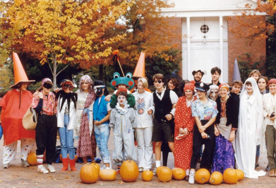 Dressed-up+students+in+Red+Square+on+Halloween%2C+1984.%28Lakeside+Archives%29